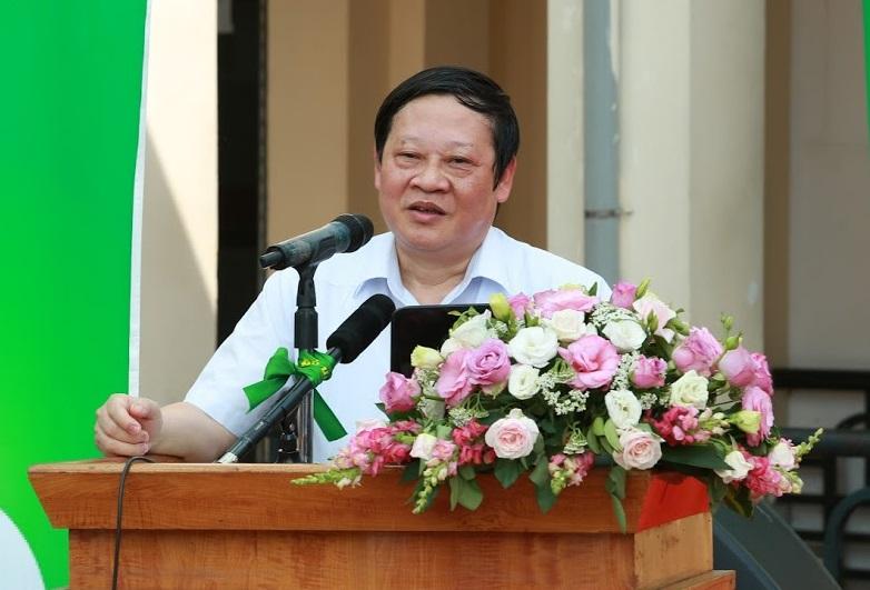 Thứ trưởng Bộ Y tế khuyên các ông chồng bớt uống bia để quan tâm đến nội tiết tố nữ của vợ